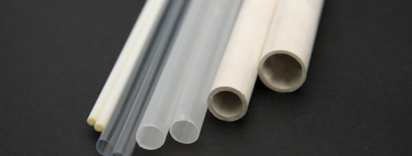 Vista di più tipologie di tubi estrusi in diversi materiali